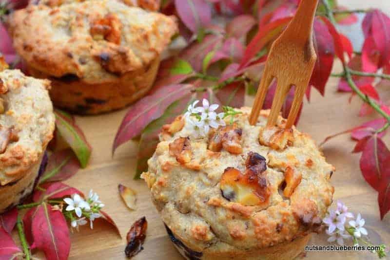 Walnuss Muffins mit karamellisierten Walnüssen