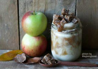 Gäste Rezept: Gebratener Apfel Smoothie mit Dattel Karamel Sauce