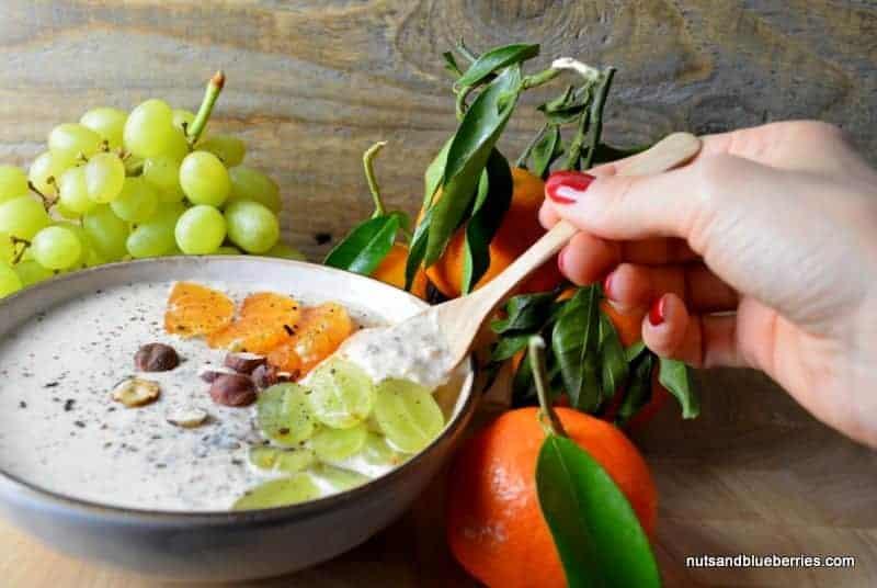 Mandarinen Porridge mit gerösteten Haselnüssen
