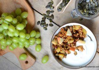 Karamellisiertes Apple Crunch mit Joghurt