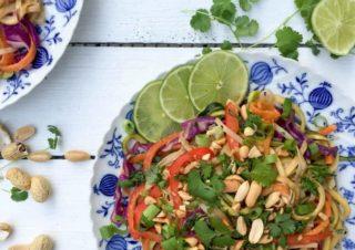 Gäste Rezept: Gesundes Pad Thai mit Erdnusssauce und Koriander