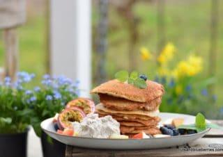 Apfel Protein Pancakes mit Cashew Creme