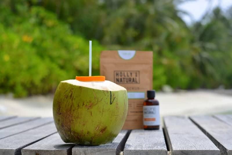 Anti-Aging mit Kokosnuss Wasser und Kokosnuss Peeling gegen Cellulite
