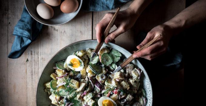 Vegetarischer Kartoffelsalat und wieso Eier von glücklichen Hühnern besser schmecken