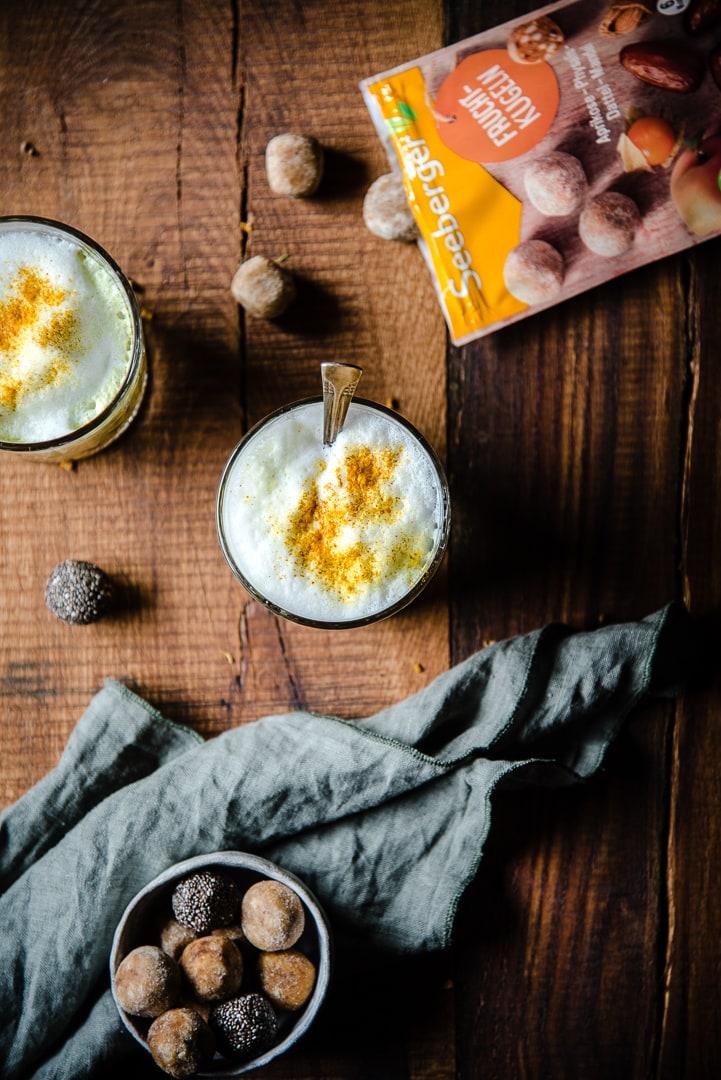 Goldene Milch Kurkuma Latte