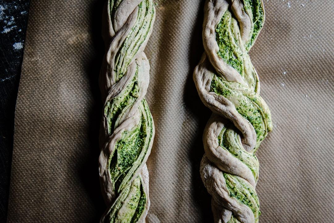 Hefezopf mit Pesto Anleitung Food Fotografie