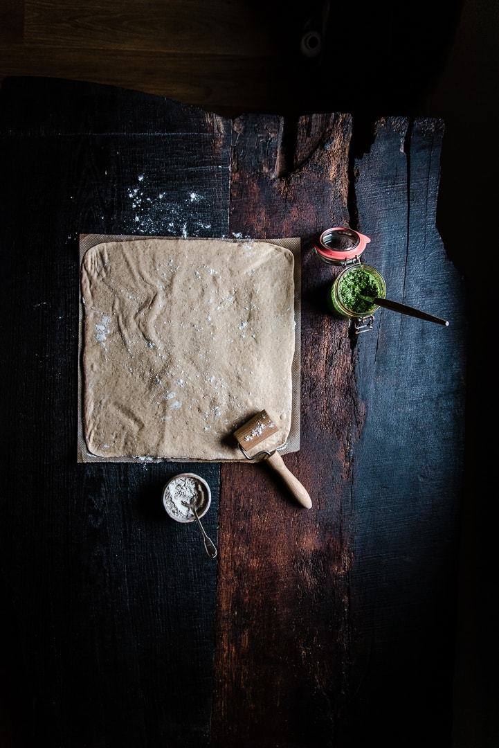 Hefezopf mit Pesto