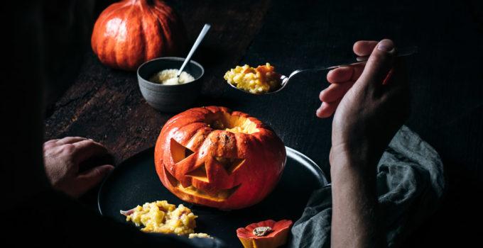 Gefüllter Hokkaidokürbis zu Halloween | Kürbisrisotto vegetarisch